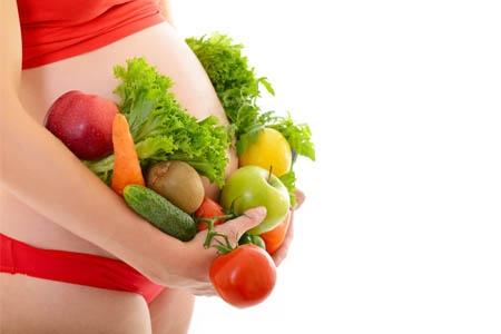 беременная и овощи
